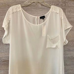 Tops - Plus size white top